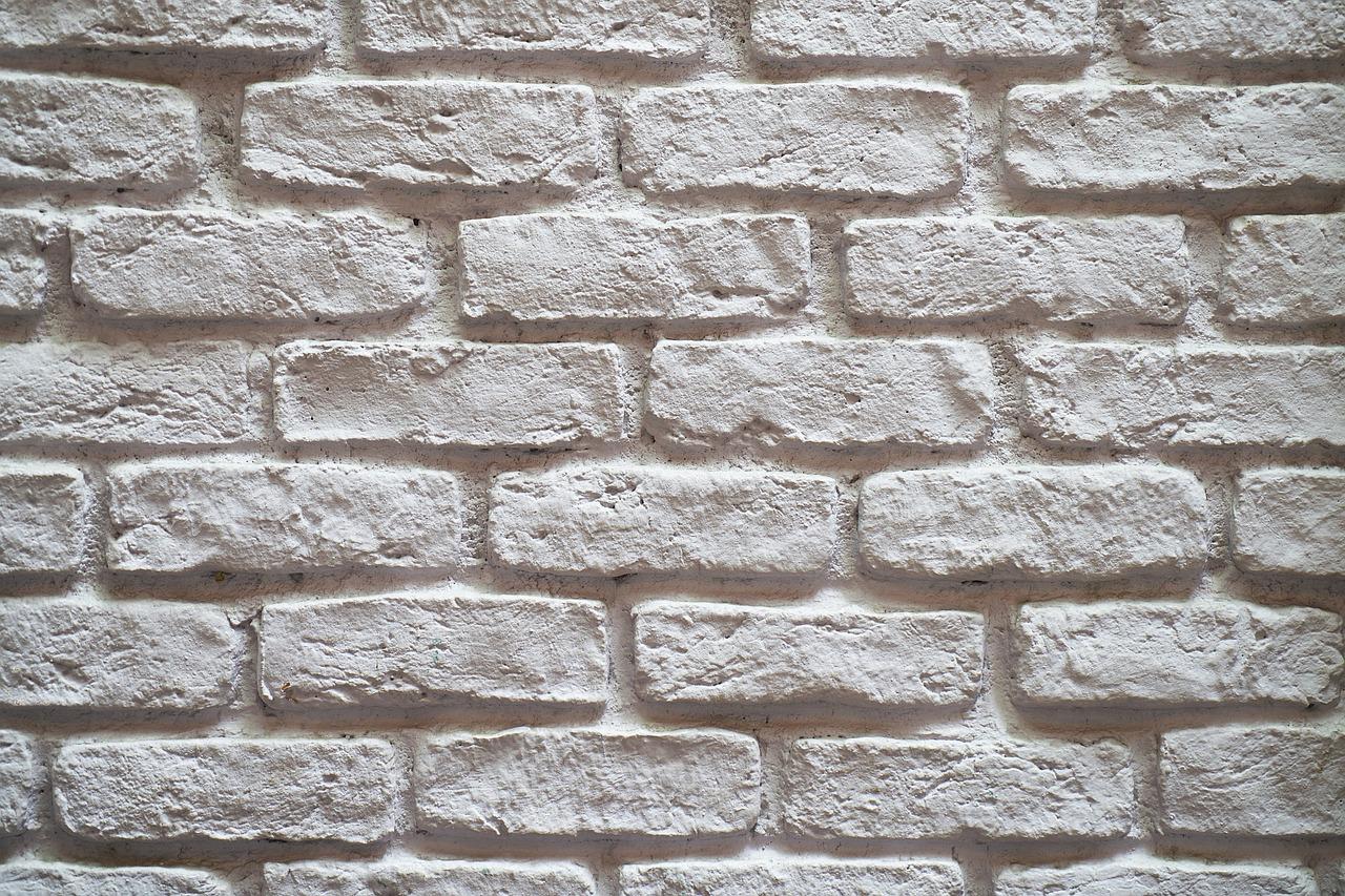 Kamień dekoracyjny wewnętrzny – gdzie się sprawdzi?